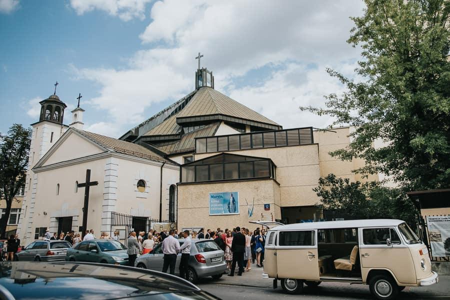 pałac czosnowskich opypy, wesele w pałacu czosnowskich, ślub w stylu śniadanie u Tiffaniego, volksvawen t2, bulik