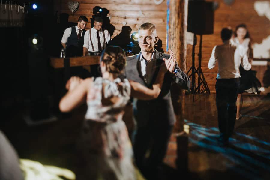 wesele wierzbowe ranczo, oranżeria, rustykalny ślub, tilt shift