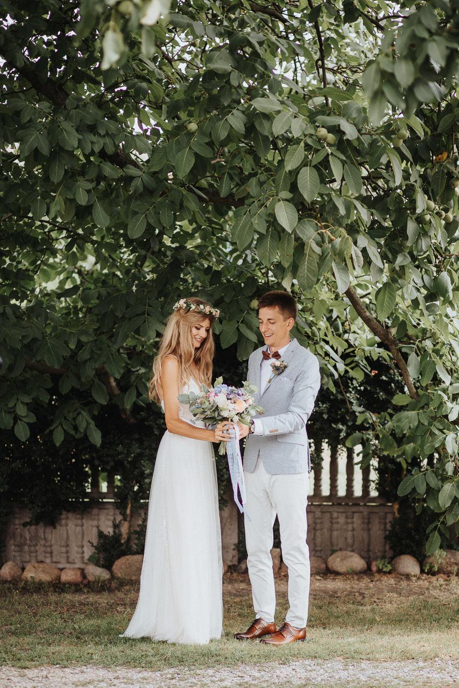rustykalne-wesele-w-stodole-celinka-wilczkiewicz-00046 45