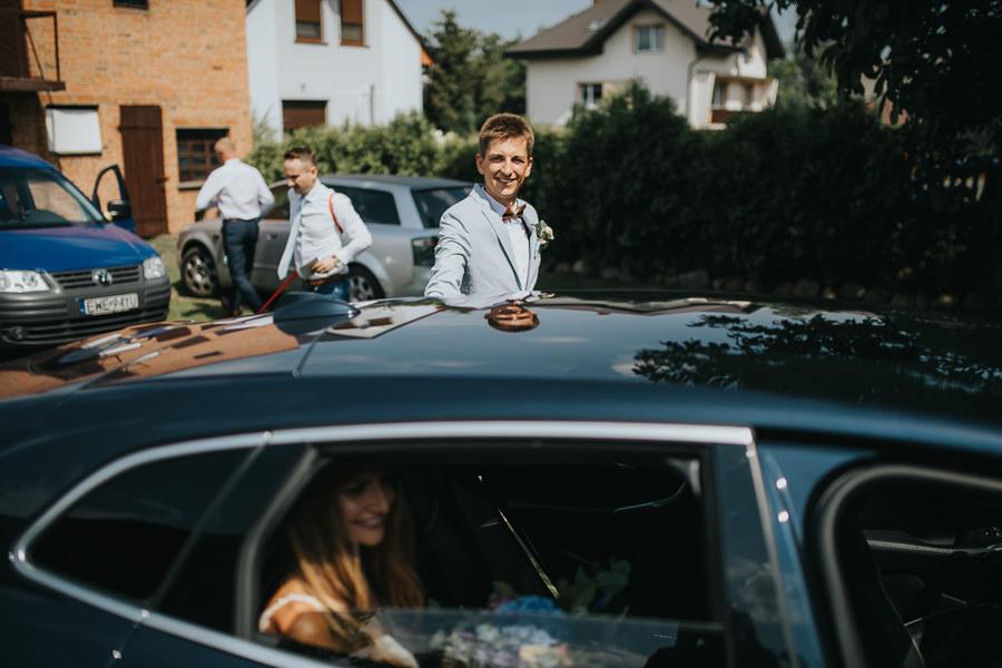 rustykalne-wesele-w-stodole-celinka-wilczkiewicz-00057 56