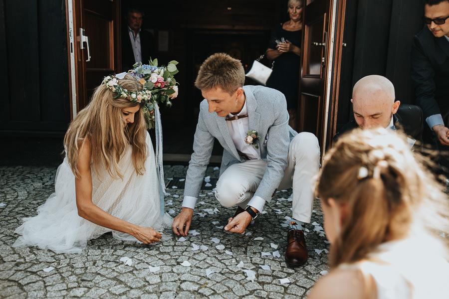 rustykalne-wesele-w-stodole-celinka-wilczkiewicz-00089 88