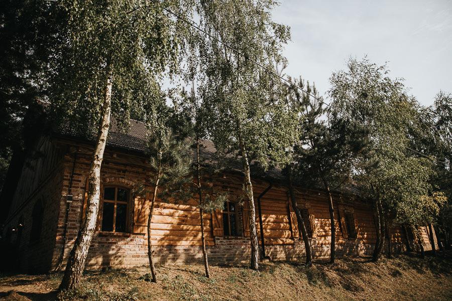 rustykalne-wesele-w-stodole-celinka-wilczkiewicz-00090 89