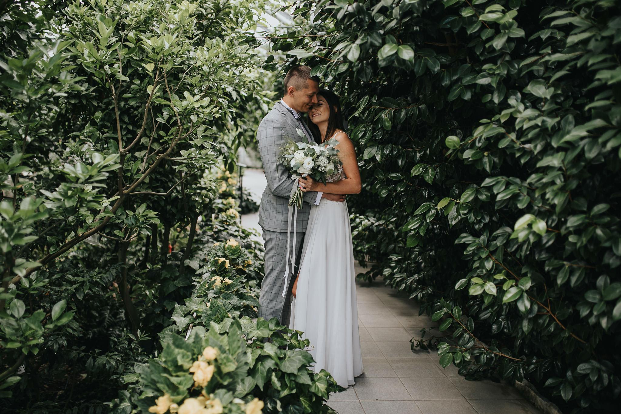 Sesja poślubna w oranżerii 19
