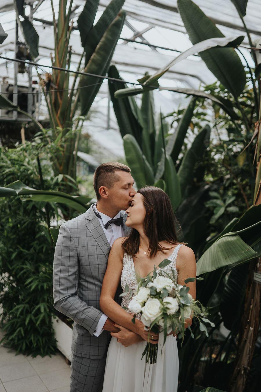 Sesja poślubna w oranżerii 8