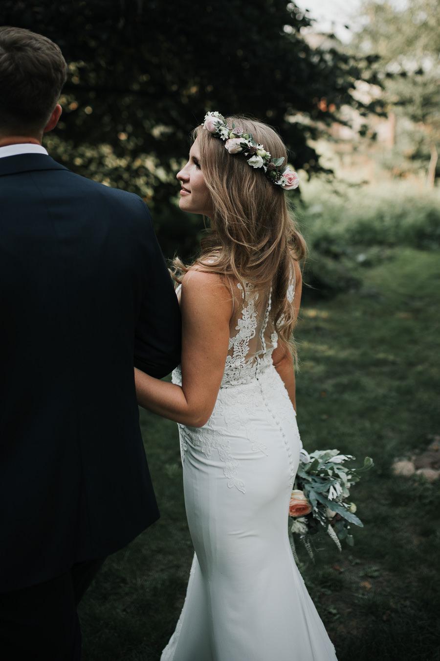 Sesja ślubna w stodole i szklarni 227