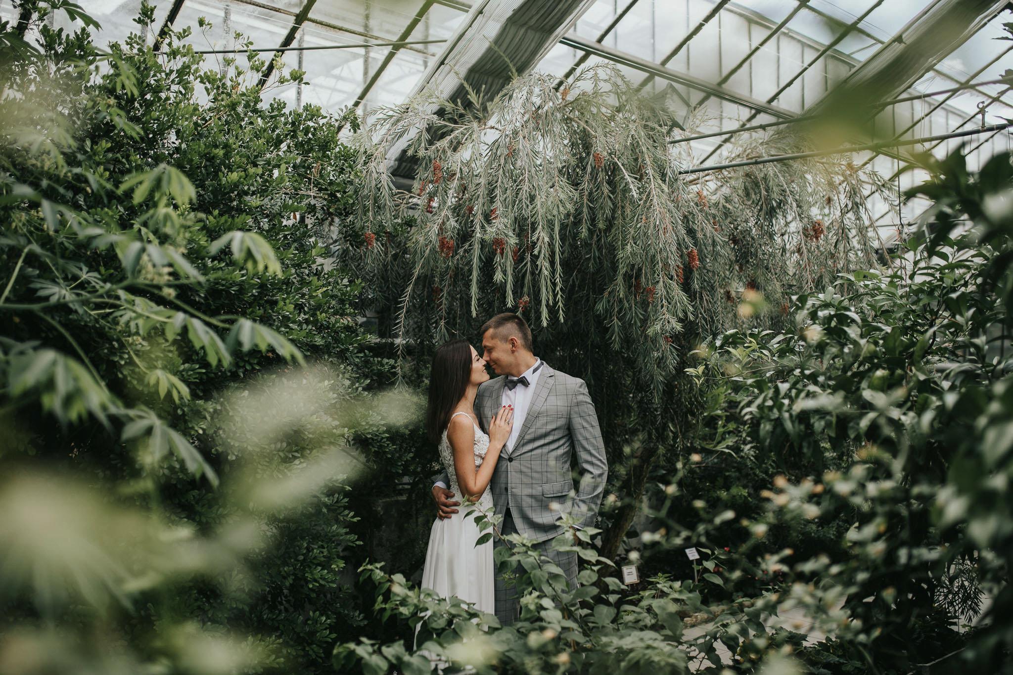Sesja poślubna w oranżerii 17
