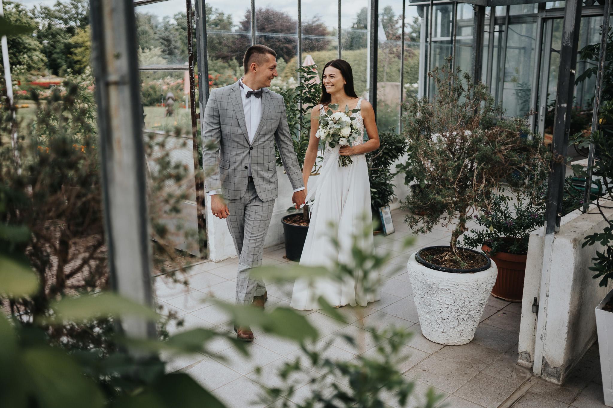 Sesja poślubna w oranżerii 2