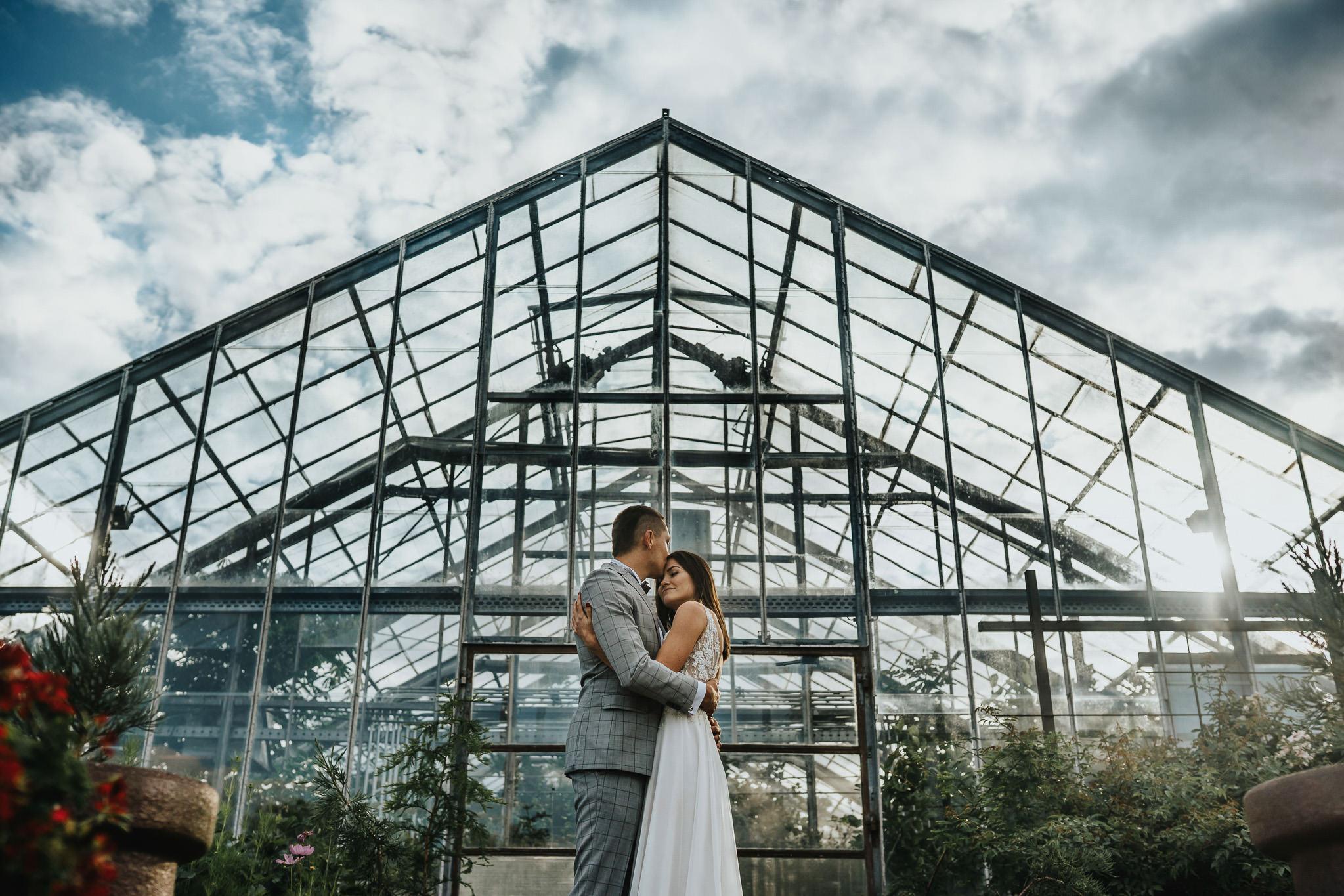 Sesja poślubna w oranżerii 1