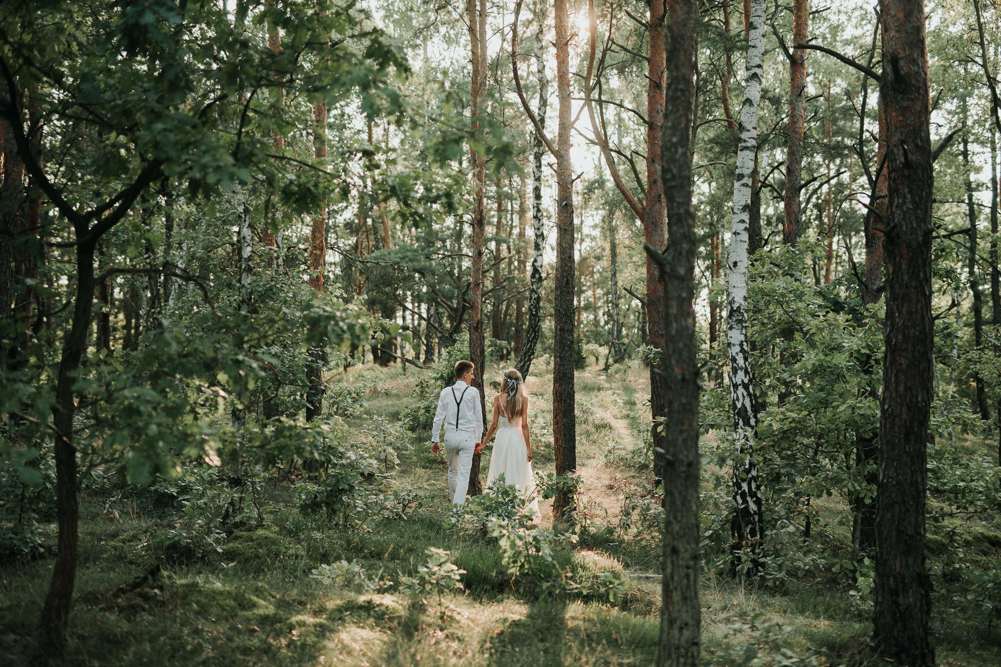 Rustykalna sesja w lesie nad Wisłą 505