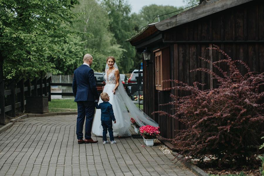 wesele-zalecze-male-fotograf-slubny-wielun-wilczkiewicz-900px-00044 45