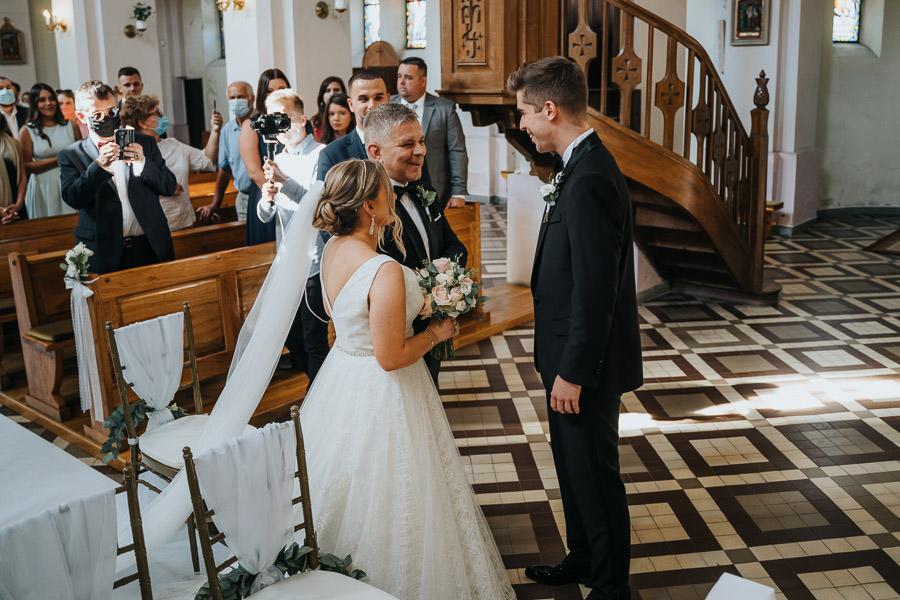 00061-wesele-mietowe-wzgorza-trebki-nowe-fotograf-900px 62