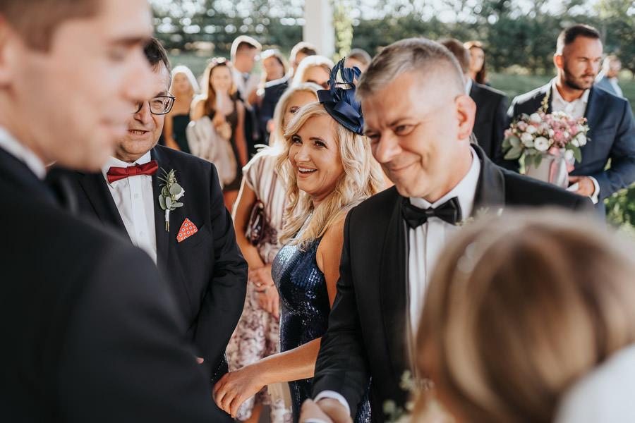 00105-wesele-mietowe-wzgorza-trebki-nowe-fotograf-900px 106