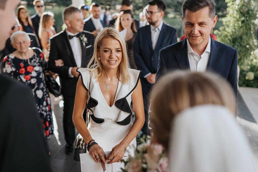 00106-wesele-mietowe-wzgorza-trebki-nowe-fotograf-900px 107