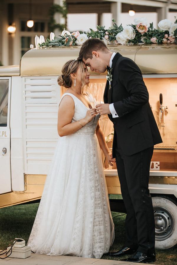 00130-wesele-mietowe-wzgorza-trebki-nowe-fotograf-900px 131