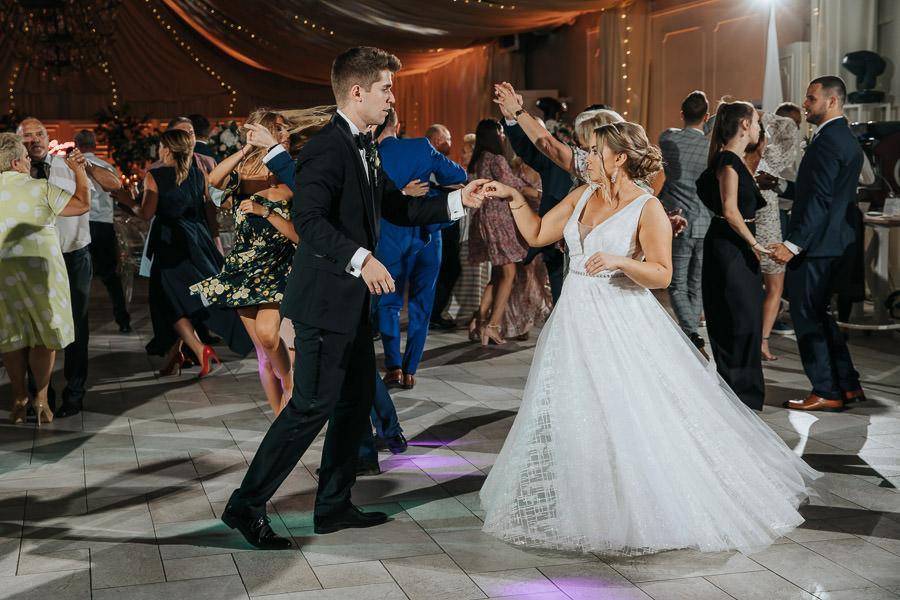 00139-wesele-mietowe-wzgorza-trebki-nowe-fotograf-900px 140