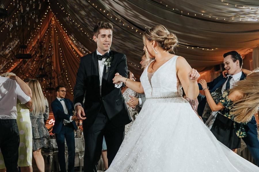 00140-wesele-mietowe-wzgorza-trebki-nowe-fotograf-900px 141
