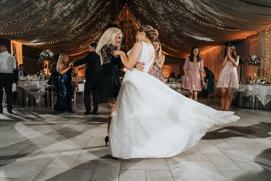 00145-wesele-mietowe-wzgorza-trebki-nowe-fotograf-900px 146