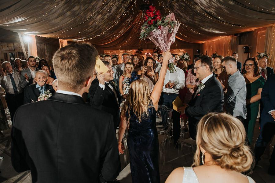 00155-wesele-mietowe-wzgorza-trebki-nowe-fotograf-900px 156