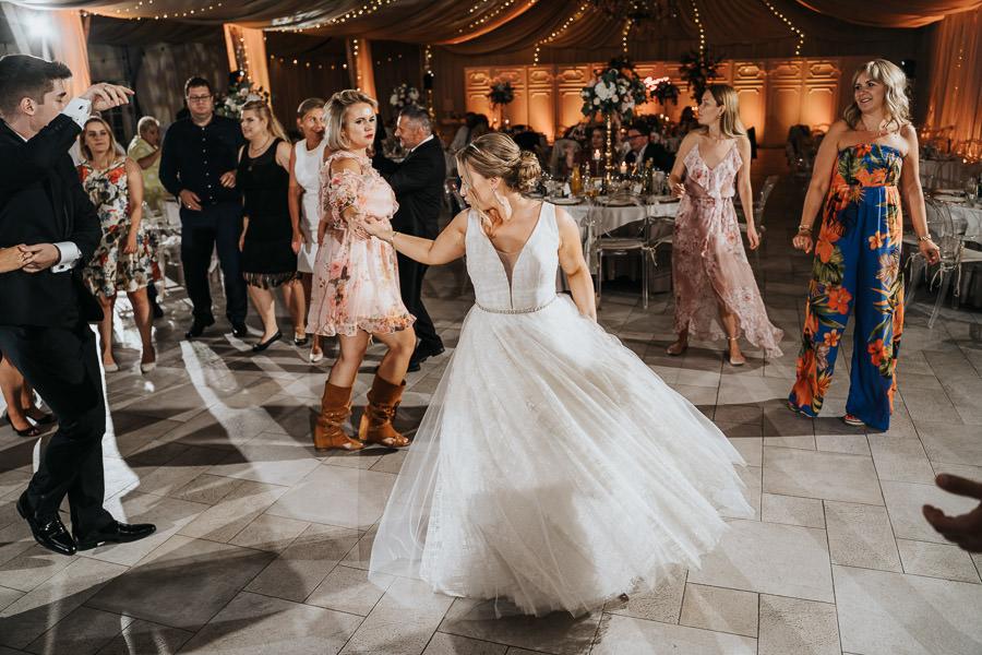 00156-wesele-mietowe-wzgorza-trebki-nowe-fotograf-900px 157